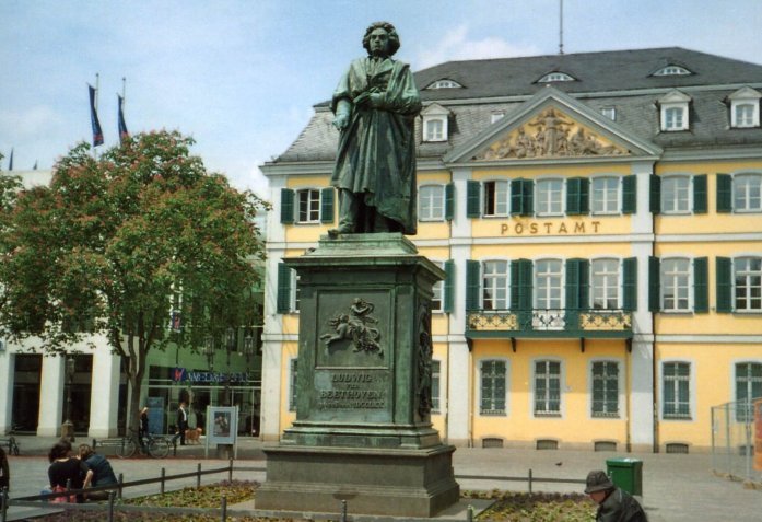 The Beethoven statue in Bonn